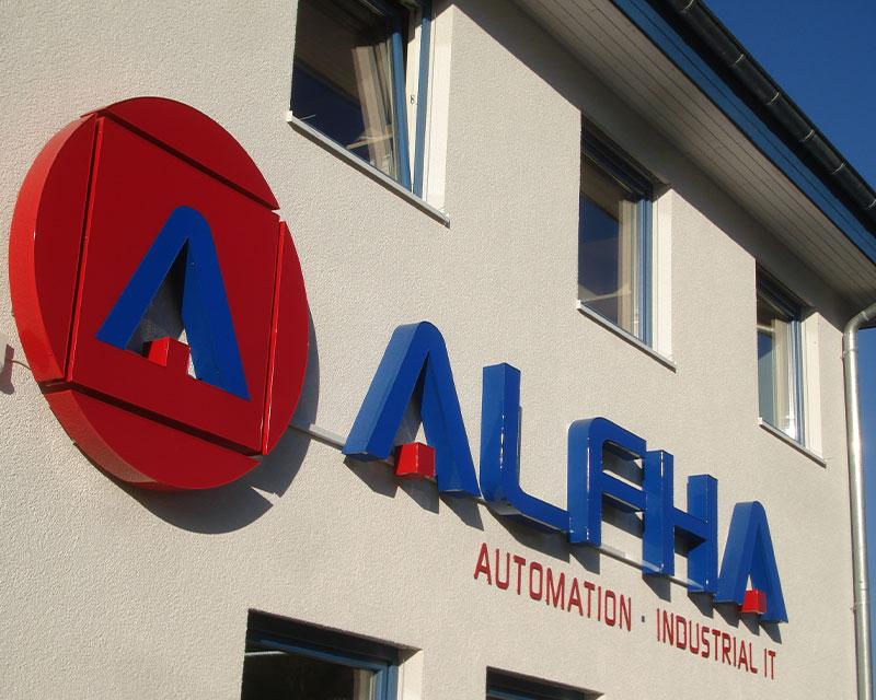 Das Logo auf dem Gebäude